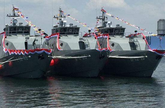 Komandan Pangkalan Utama TNI-AL (Lantamal) IV Tanjungpinang Laksamana Pertama TNI S. Irawan mengatakan, penangkapan berawal dari kecurigaan tim WTQR yang tengah patroli rutin melihat lima boat pancung mau menuju Outer Port Limit (OPL) perairan Malaysia.